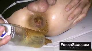 Guy Fucks His Ass With Bottle While Shitting In Male Scat Video