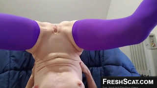 Cute Girl Tries To Piss In Her Own Mouth On Live Webcam