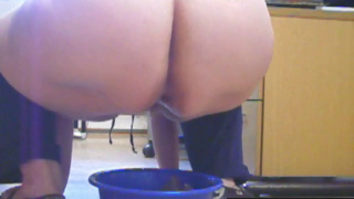 Webcam Girl Shits And Pisses In A Blue Bucket On Webcam