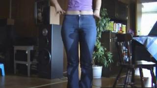 Pissing Her Jeans On Live Webcam