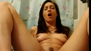 Hot Live Girl With Amazing Big Pussy Lips Shits On Webcam For Us