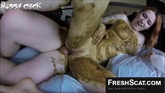 Порно срет в рот